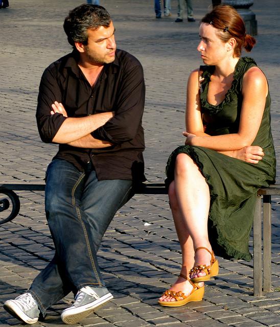 Boşanmak Üzere Olan Çiftler: Bir Avukatla Görüşmeden Önce Çift Terapisine Başlayın